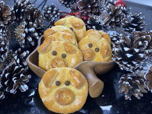 Glücksschweine aus glutenfreiem Quark-Öl-Teig